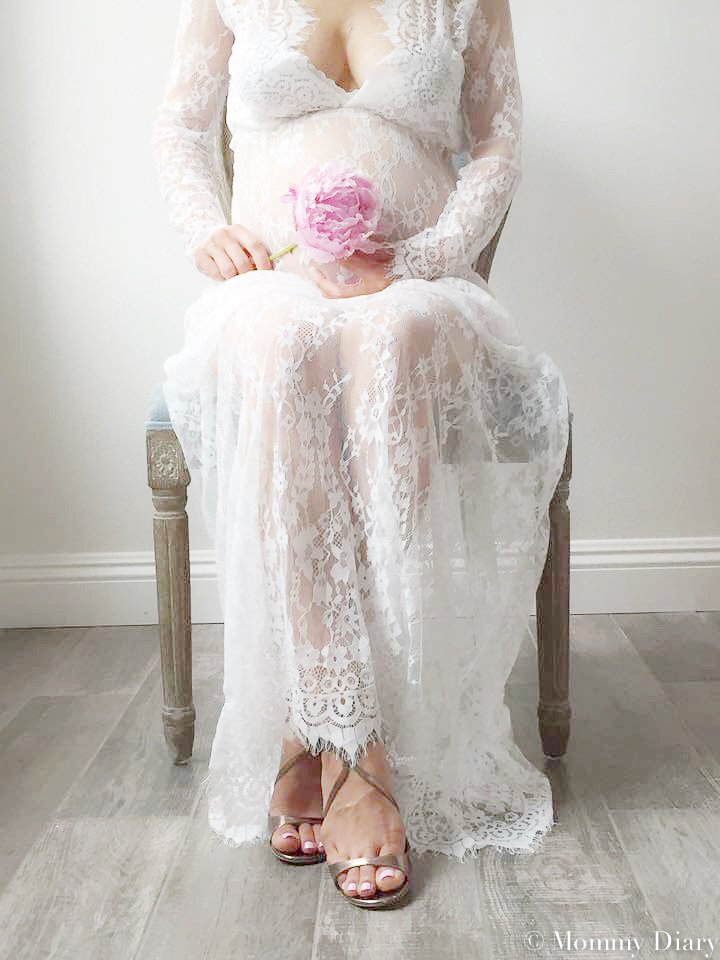 maternity-shoot-lace-dress