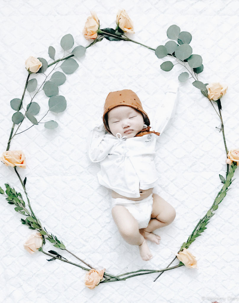 flower-wreath-baby-milestone-photo-ideas