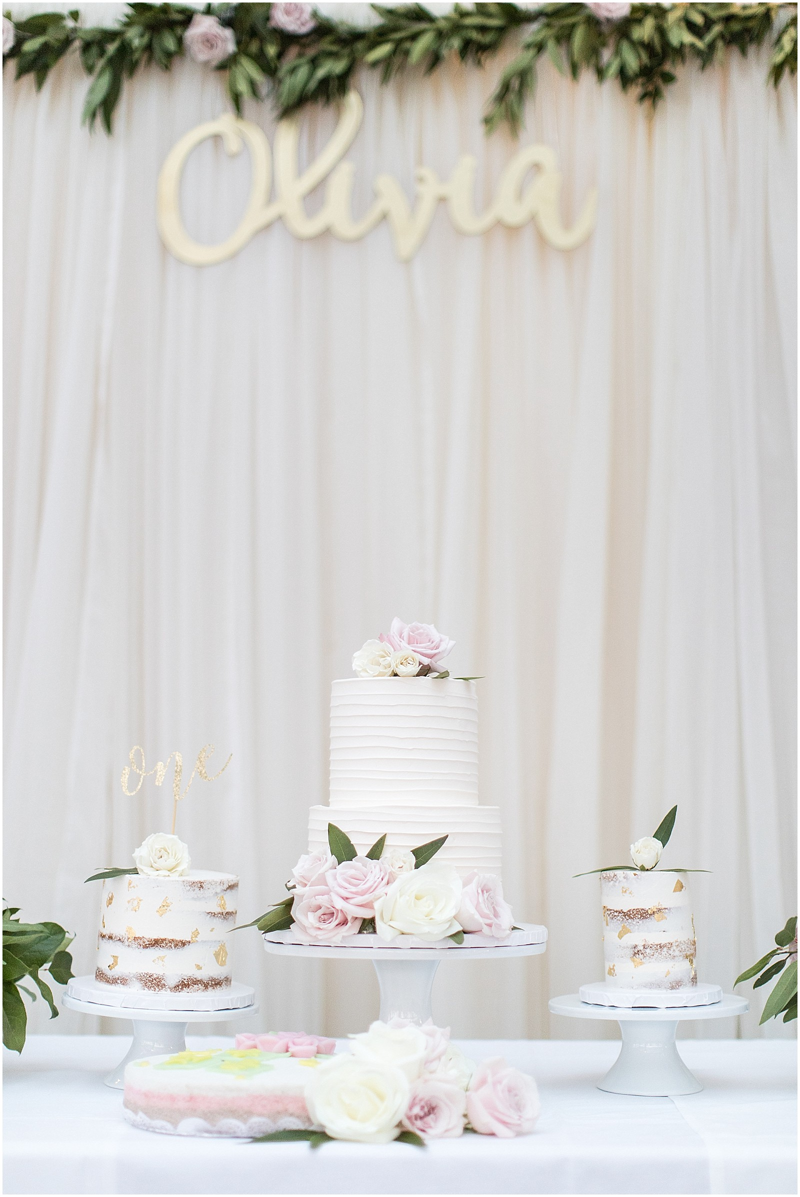 classic-floral-white-first-birthday-party-dol