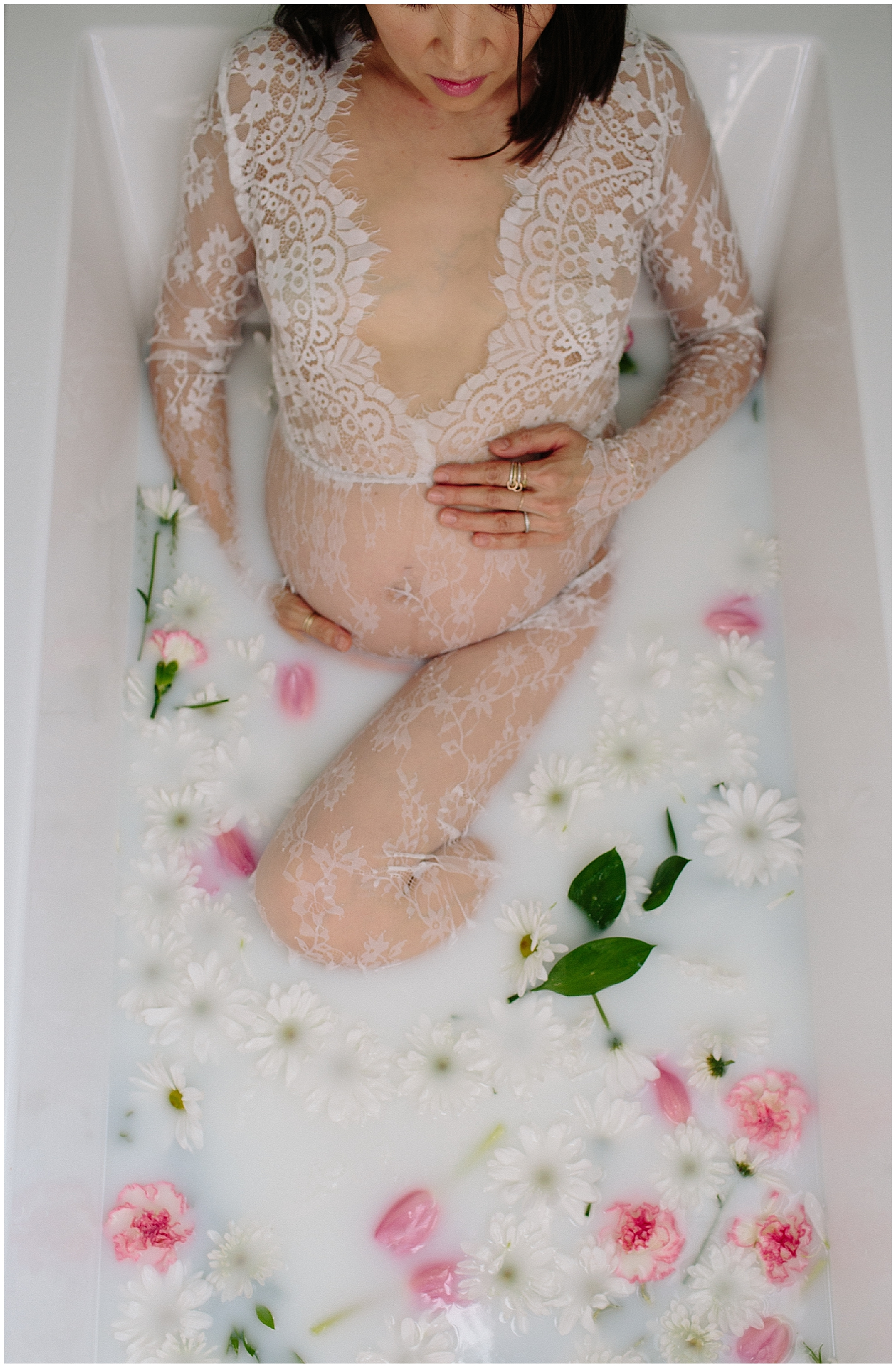 milk-bath-maternity-photography