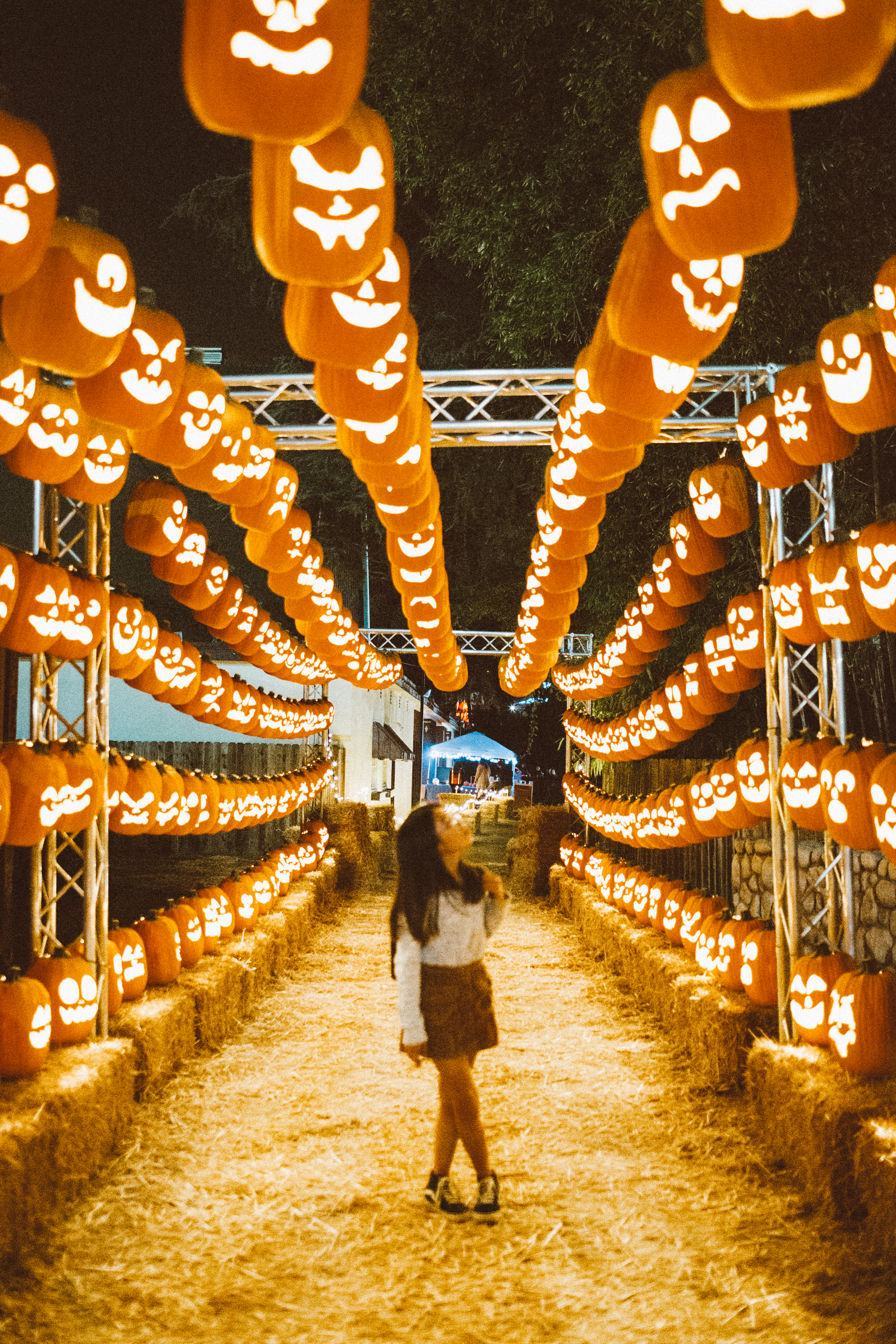 Pumpkin-nights-festival-halloween-family