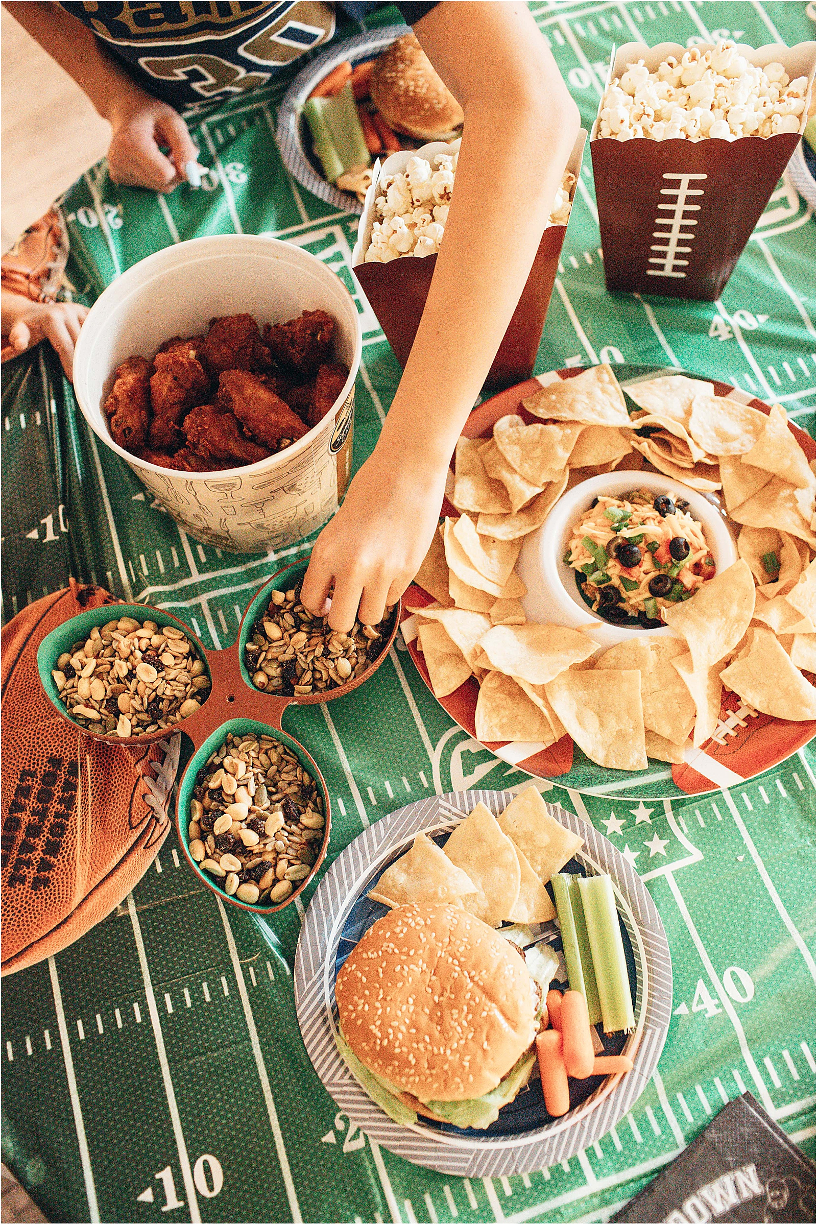 super-bowl-party-prep-febreze_0002