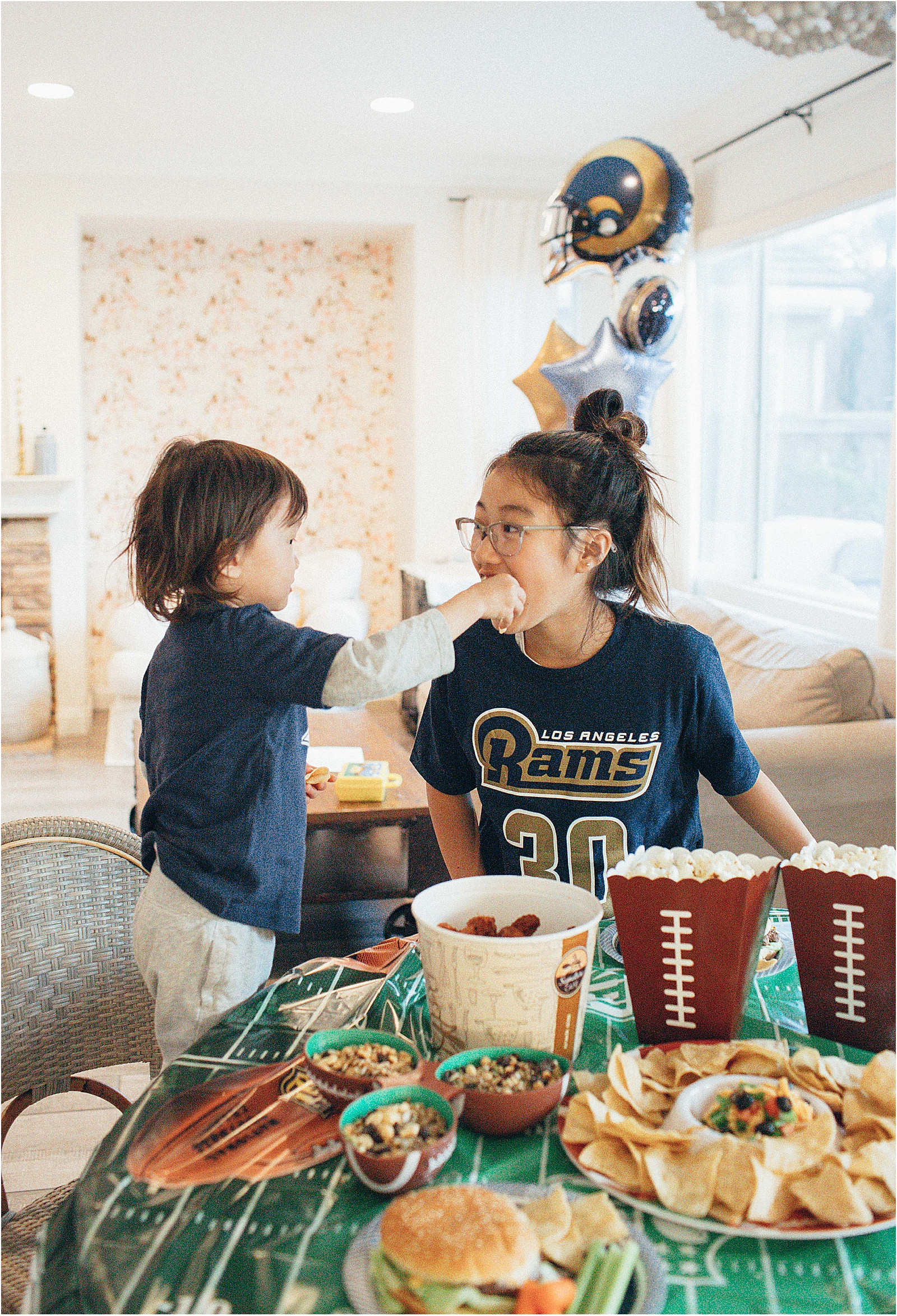 super-bowl-party-prep-febreze_0003